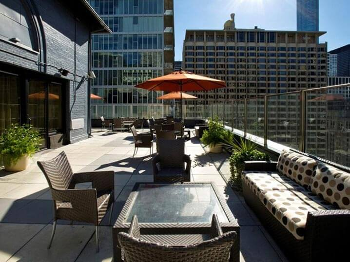 chicago's best moderate priced hotel - the inn of chicago